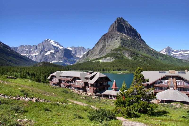 many glaciers hotel and resort in glacier national park montana