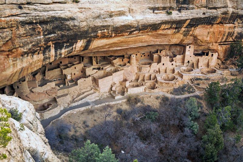 cliff dwellings in mesa verde national park in colorado