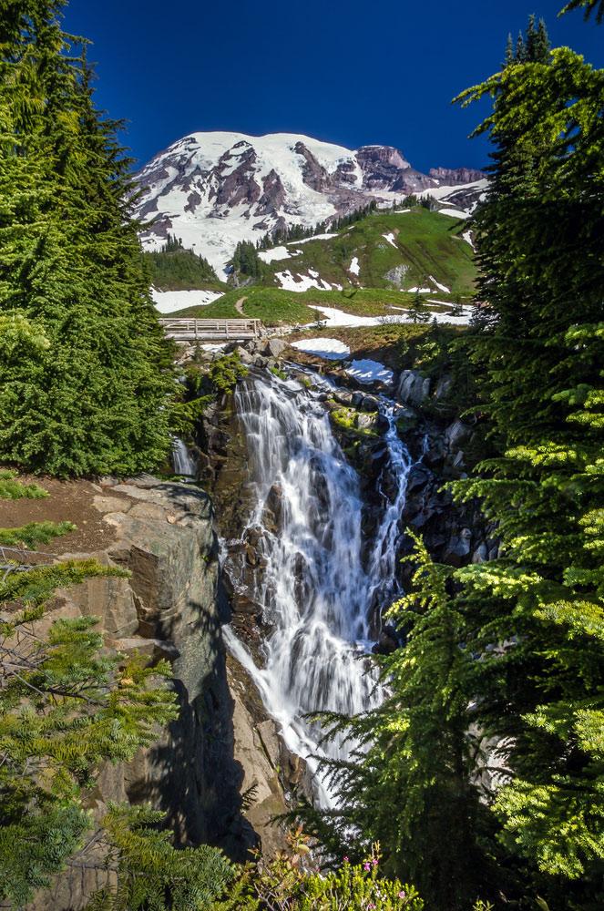 myrtle falls at mount rainier national park