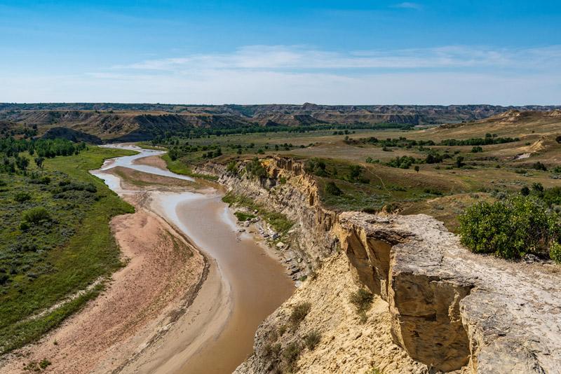 little missouri river in theodore roosevelt national park north dakota