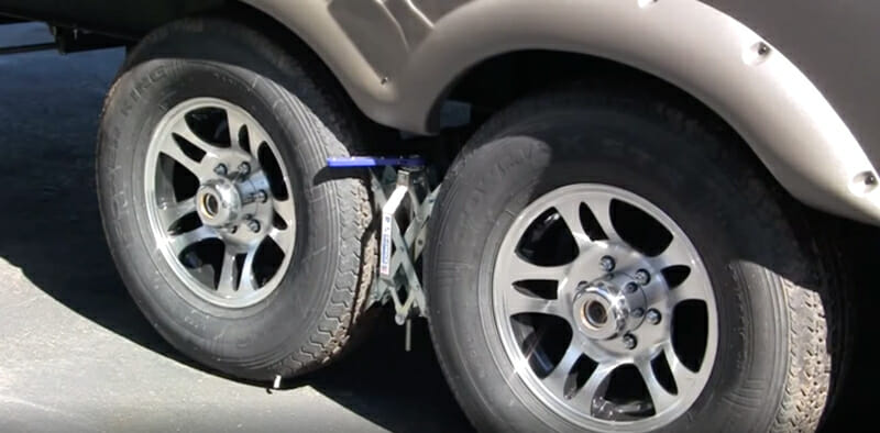 x chocks on rv tires