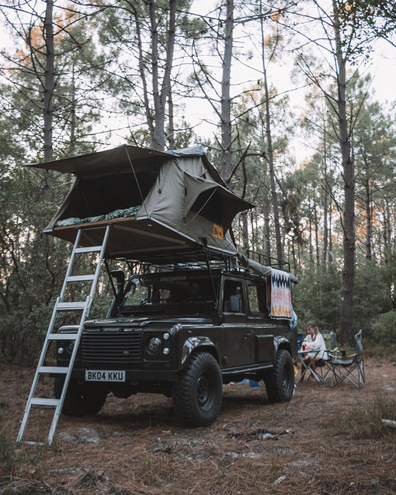 soft shell roof top tent on a 4x4 jeep
