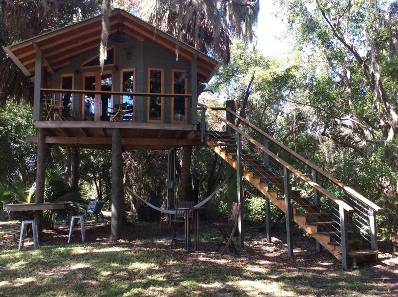 Treehouse Glamping In The Florida Woods
