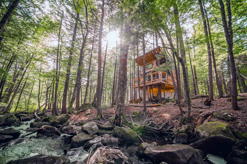 Tiny Treehouse Rental In Vermont