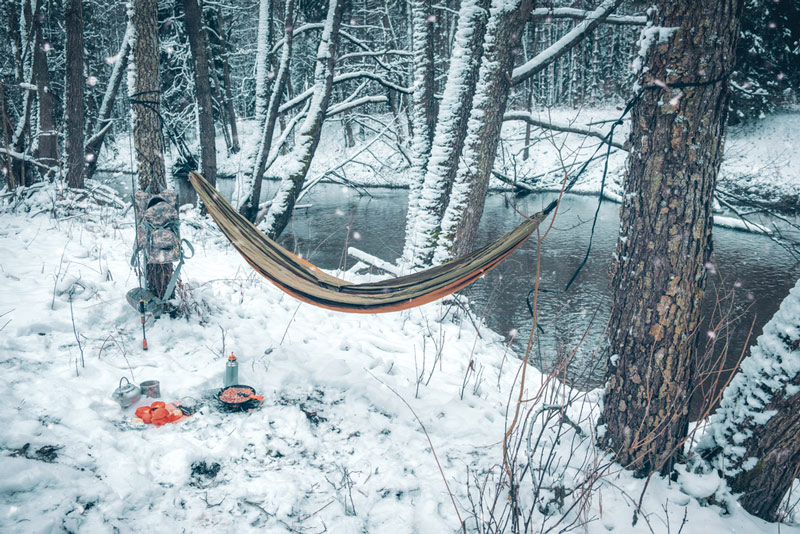 winter hammock camping without an underquilt