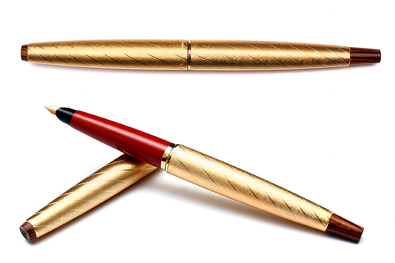 Parker 45 Lady Pen Gold Brocade