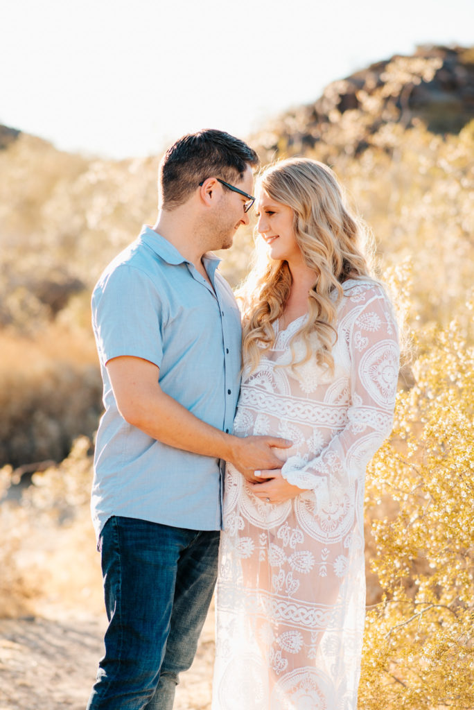 Arizona maternity couple