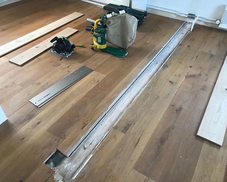 Schoonmaakmiddel Houten Vloer : Houten vloer schuren door dé schuur expert van nl