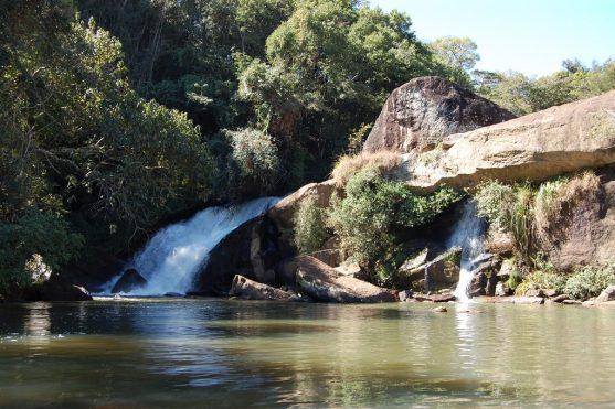 passeio-na-cachoeira-camanducaia