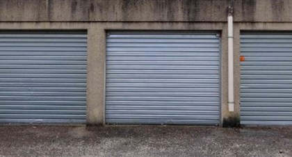 david vend 4 garages à Nimes