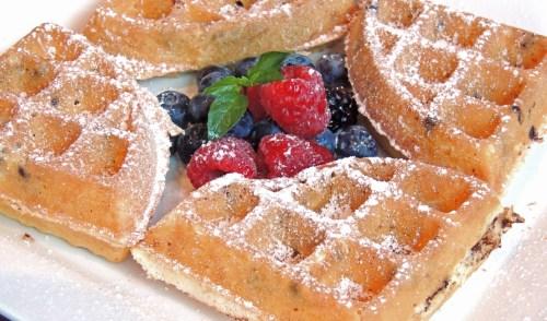 Local Restaurants Raise Funds for Marjory Stoneman Douglas High School