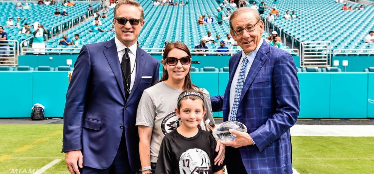 Miami Dolphins Honor Parkland Coach Aaron Feis During Season Opener