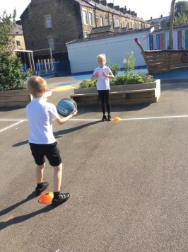 Netball Y5 pic3