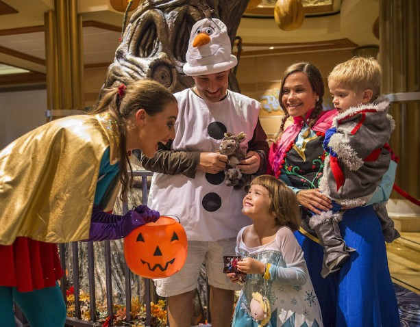 Halloween on the High Seas – Mickey's Mouse-Querade Party