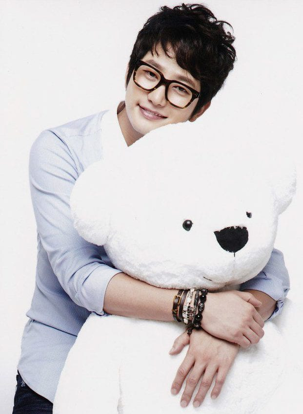 Park Sihoo hug day
