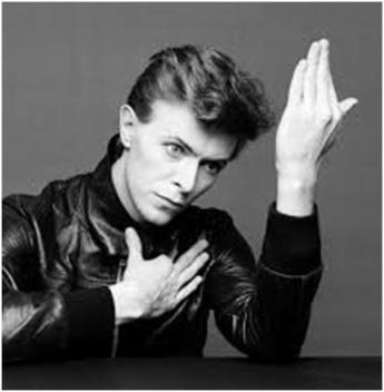 Bowie posando para la portada de Heroes, 1977