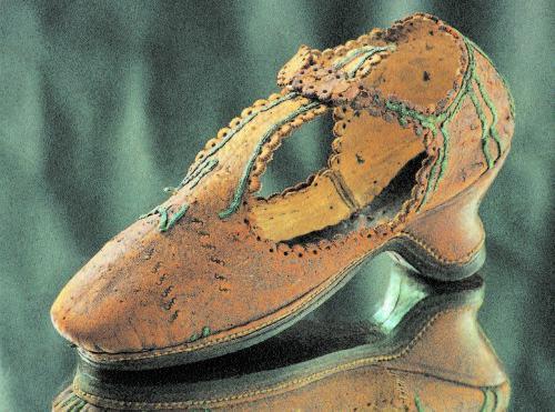 Zapato de mujer. Periodo de Enrique III
