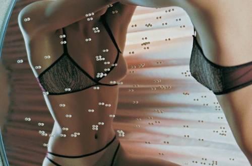 Yaël Landman, Ensemble. Automne / Hiver 2003., Les Dessous Féminins, Muriel Barbier et Shazia Boucher