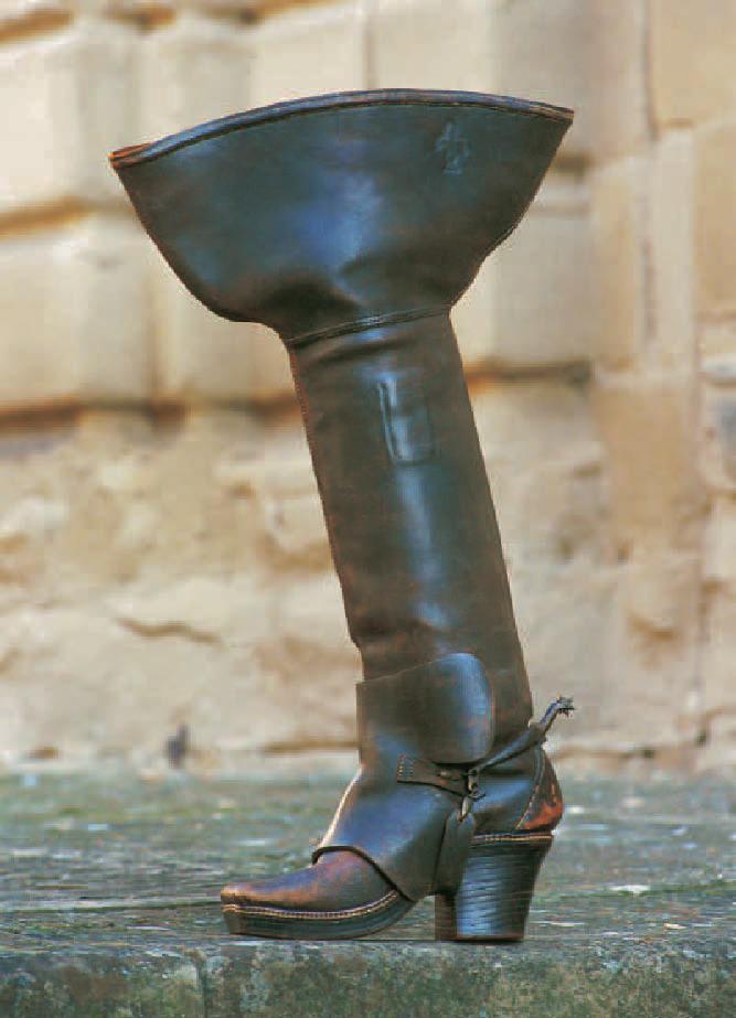 Botte de mousquetaire, Chaussures, Marie-Josèphe Bossan