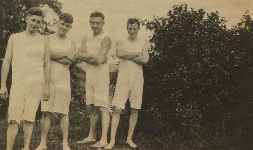 Sportlicher Einteiler, 1914, Die Geschichte der Herrenunterwäshche, Shaun Cole