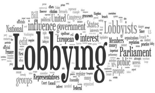 Come la lobby dell'energia vuole ingannare famiglie e imprese