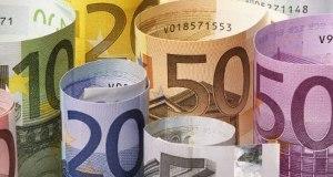 Cooperazione: l'italia firma assegni in bianco