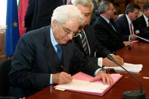 DDL Scuola: Mattarella dà l'ok, ma questa firma non ci ferma