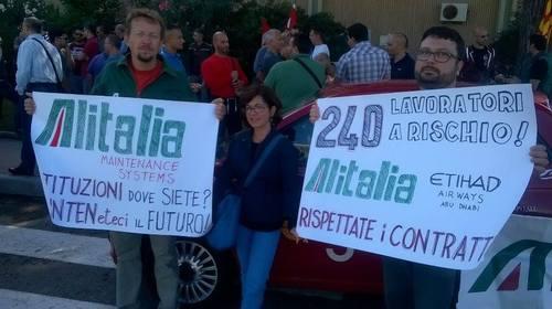 """Ams, """"Finalmente Alitalia parla. Ma servono atti e firme"""""""