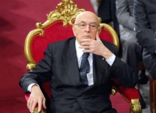 Napolitano, banche e giornali: il Presidente Emerito regna ancora