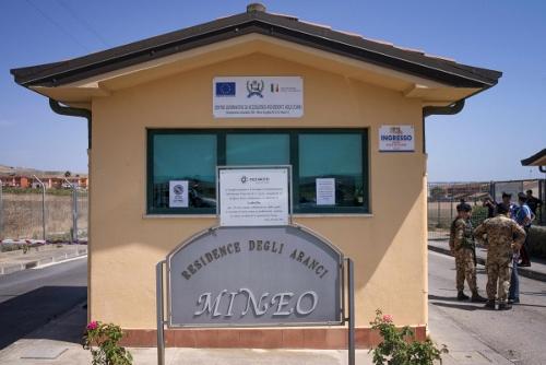 Migranti: bene relazione Cara Mineo, conferma nostra posizione