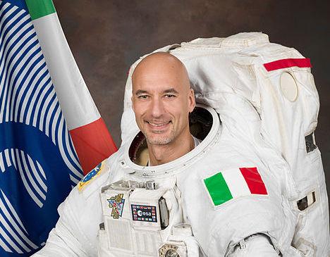 Spazio, auguri al comandante Parmitano in partenza per l'Iss nel giorno dello sbarco sulla Luna
