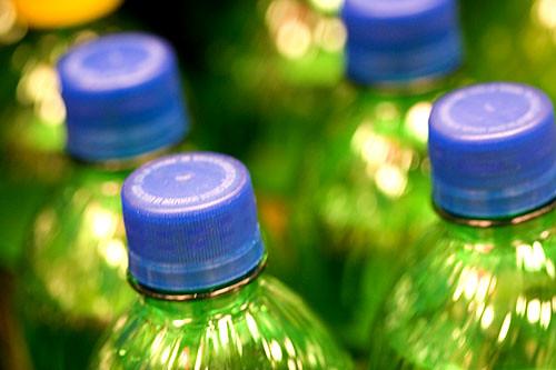 Plastic Tax: Stop a terrorismo, non incide su consumatori ed è già realtà in altri Paesi