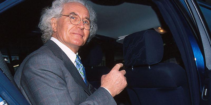 Autostrade: Ai Benetton regali per 20 anni, revoca unica via