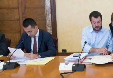 GOVERNO. LE GRANDI MANOVRE. SALVINI OFFRE A DI MAIO LA PRESIDENZA DEL CONSIGLIO. M5S, E' FALSO - PARLAMENTONEWS