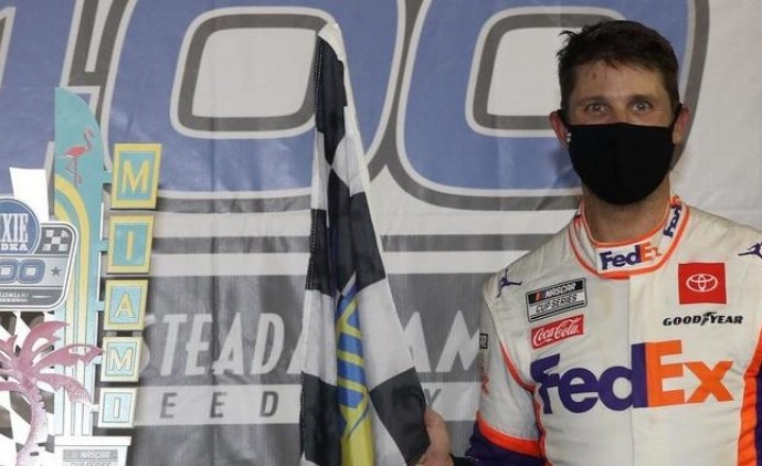 Hamlin Wins the Dixie Vodka 400 at the Homestead-Miami Speedway