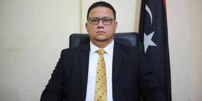 المتحدث الرسمي : فخامة رئيس مجلس النواب يلتقي لجنة المسار الدستوري ويطلع على نتائج اجتماعات القاهرة