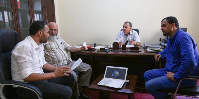 عضو لجنة الطاقة والموارد الطبيعية مفتاح الشاعري يجتمع مع مدير محطة تحلية طبرق