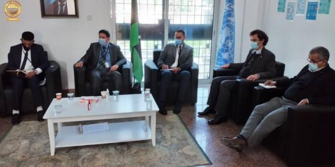 رئيس لجنة الخارجية يعقد اجتماعا مع ممثلي المنظمات الدولية الإنسانية