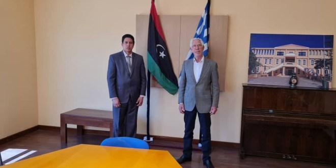 رئيس لجنة الخارجية يلتقي رئيس الجالية اليونانية في مدينة بنغازي