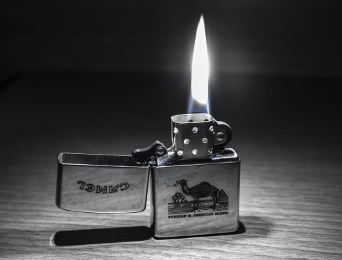briquet à gaz ou essence