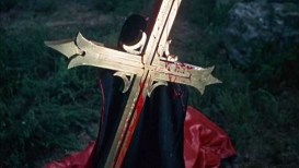 dracula-has-risen-from-the-grave-death-2-pic-5