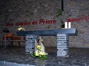 Autel de l'église Notre-Dame d'Espérance