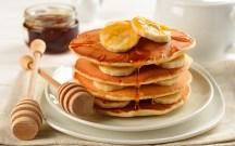 Pancakes con Banane e Sciroppo d'Acero