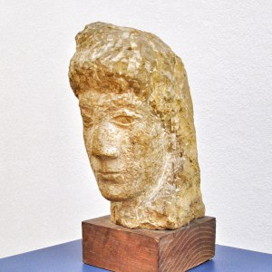 «Selene» or «La Luna» is a marble bust from 1936 by Jenny Wiegmann-Mucci.   Photo: Norbert Bayer