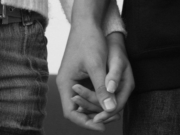 I-want-to-hold-your-hand-Francesco-Ambrosino-Medium