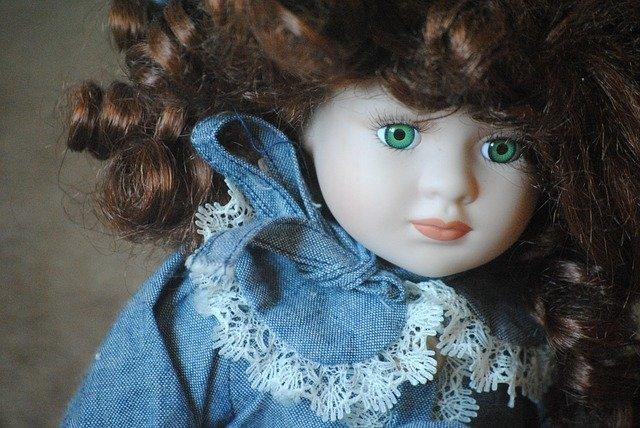 #PausaRacconto: la bambola di porcellana (immagine via Pixabay)