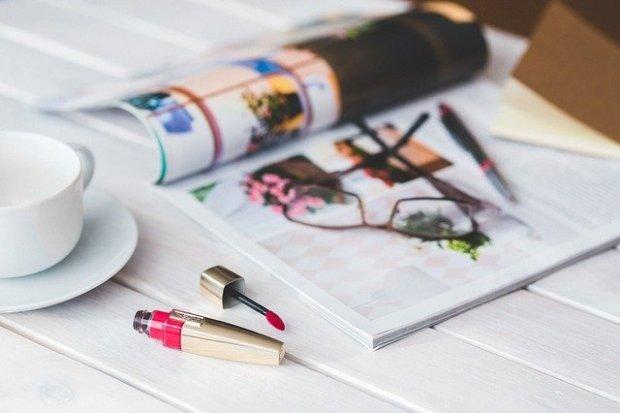Il rossetto rosso (immagine via Pixabay)