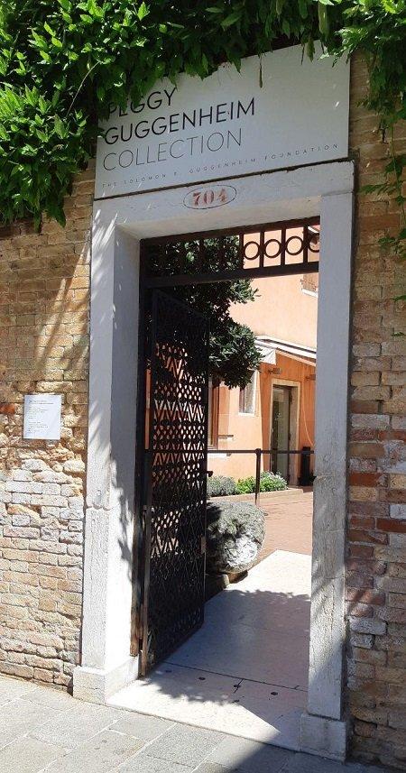 collezione Peggy Guggenheim: ingresso alla casa museo a Venezia