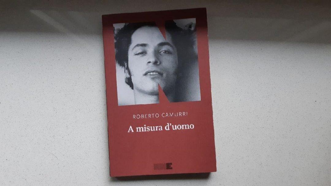 A misura d'uomo di Roberto Camurri: quadri racconto per un romanzo galleria