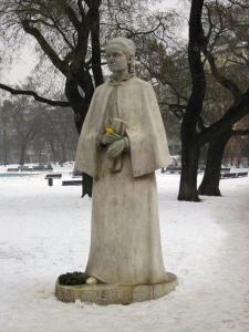 Charles Square, Eliska Krasnohorska statue
